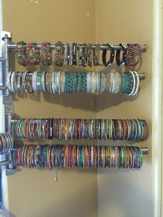 Used towel hanger as my new bangle organizer. Adds decor to your room and bangle… Used towel hanger as my new bangle organizer. Adds decor to your room and bangles stay sorted. Jewelry Closet, Jewelry Rack, Jewelry Organizer Wall, Jewellery Storage, Jewelry Holder, Towel Organization, Jewelry Organization, Cabin Crafts, Bracelet Storage