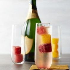 Mimosas+with+Juice+Ice+Cubes+-+EatingWell.com