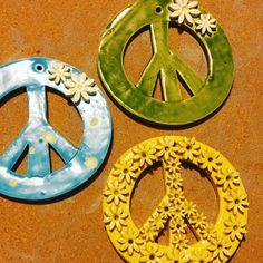 Peace Sign Hand, Peace Signs, Creative Play, Ceramic Clay, Sculptures, Pendants, Symbols, Ceramics, Lettering