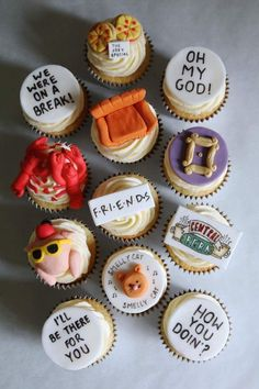Friends TV show Cupcakes Friends Episodes, Friends Moments, Friends Series, Friends Tv Show Gifts, Friends Birthday Cake, Friends Cake, Funny Birthday, Birthday Ideas, Real Friends