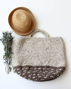 East Hampton Tote in Oatmeal Cookie and Graham Cracker Crust on Etsy, € 106,97