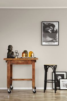 Jotun/Lady Balance 10580 Soft Skin Jotun lanserte i går både Interior Wall Colors, Wall Paint Colors, Interior Walls, Room Colors, Interior Design, Living Room Grey, Living Room Decor, Bedroom Decor, Jotun Paint