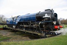 peppercorn tornado in blue livery Steam Trains Uk, Weather Storm, Old Wagons, Rail Transport, Steam Railway, Bonde, Train Times, Train Art, Diesel