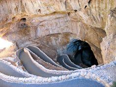 12. Carlsbad Caverns National Park (칼즈배드 동굴 국립공원)