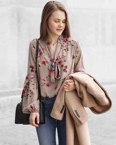 A Little Detail - Transitional Outfit // Winter to Spring // Summer to Fall // #springfashion #fallfashion #winterfashion #floralblouse #camelcoat #outfit #skinnyjeans #ankleboots #fashion