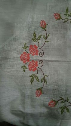 Bargello, Cross Stitch Flowers, Cross Stitch Designs, Blackwork, Cross Stitch Embroidery, Diy And Crafts, Drawings, Crochet, Macrame
