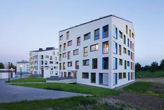 Budynki mieszkalne wielorodzinne. Kraków. Nowa Huta. Housing in Cracow, Poland. autor: ARCHITEKT.LEMANSKI Tadeusz Lemanski foto: Tomasz Zakrzewski