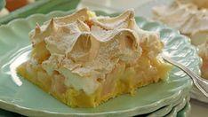 Rhabarber-Baiser-Kuchen vom Blech Rhubarb cake with meringue … for my next try … Rhubarb meringue cake miRhubarb – Meringue – CakeRhubarb meringue cake Dessert Oreo, Oreo Desserts, Peanut Butter Desserts, Pudding Desserts, Dessert Bars, Rhubarb Meringue, Rhubarb Cake, Meringue Cake, Best Pecan Pie Recipe