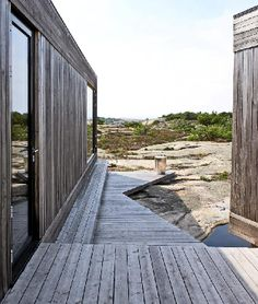 I love this wood -- the weathered grey -- and not in shingle form.  love.