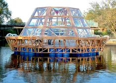 The Jellyfish Barge:  Brilliant floating greenhouse sustains itself with sun & harvested rainwater