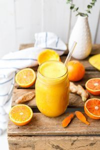 Kurkuma Elixier mit Orange & Ingwer - Eat this! Smoothie Detox, Smoothie Bowl, Smoothie Drinks, Detox Drinks, Healthy Smoothies, Healthy Drinks, Smoothie Recipes, Healthy Snacks, Healthy Recipes