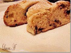 Cozonac umplut cu ciocolata - sectiune Bread, Food, Meal, Essen, Hoods, Breads, Meals, Sandwich Loaf, Eten