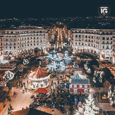The massive show at Aristotelous Square filled our hearts with joy and happiness. May you glow brighter than the fireworks in Retina Wallpaper, Thessaloniki, Macedonia, Greece Travel, Greek Islands, Ghosts, Fireworks, Travel Ideas, Art Photography