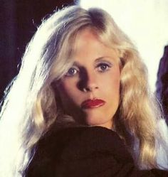 Raspy-voiced singer/songwriter Kim Carnes was born on July 20, 1945 in Los Angeles, California.