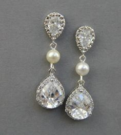 Love the teardrop earrings with pearls incorporated!