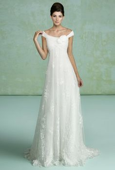 lace empire waist with scoopneck by Kitty Chen #wedding #bridal #dress #gown