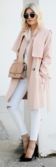 40 Trench Coat Outfits To Give You That Inspiration You Need A light pink trench coat + fresh and summery feel + white jeans + pink trench + even cuter style + Emily Luciano. Pink Trench Coat, Trench Coat Outfit, Raincoat Outfit, Trenchcoat Style, Mantel Trenchcoat, Best Rain Jacket, Rain Jacket Women, Raincoats For Women, Jackets For Women