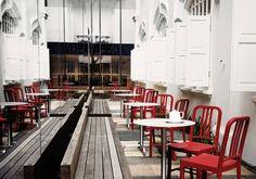 Emeco navy chair #emeco #emeconavychair #navychair #chair #chairdesign #chairs #design #homedesign #home #interiordesign #interior #furnituredesign #furniture by kmp_kantoormeubilair