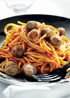 Ételek darált húsból Bologna, Spaghetti, Food And Drink, Favorite Recipes, Ethnic Recipes, Spaghetti Noodles