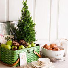 loving the little tree- metal picnic basket too!