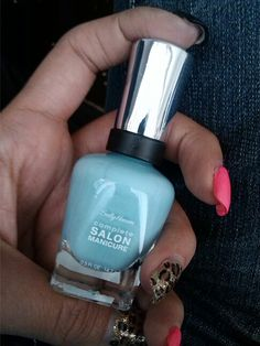 Received free for testing purposes from Influenster. Sally Hansen Complete Salon Manicure in Barracuda. #csmhaveitall