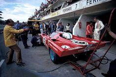 Ferrari at Le Mans Racing is both colorful and beautiful, too. Ferrari Racing, F1 Racing, Ferrari 458, Road Racing, Le Mans, Nascar, Course Automobile, Classic Race Cars, Gilles Villeneuve