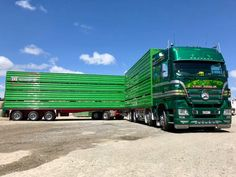 "Bill ✔️ ""The Hulk"" Mercedes Actros, a four axle truck and five axle trailer rig of Martinborough Transport, New Zealand. Mercedes Truck, Mercedes Benz, Cool Trucks, Cattle, Rigs, Hulk, New Zealand, Transportation, Vehicles"