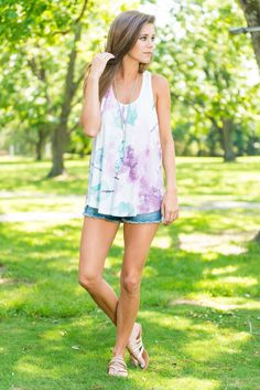 We are so in love with this water color floral tank it's insane! The jersey knit fabric is so incredibly soft and light, it's a dream to wear in the summer! It might be a little sheer so depending on your comfort level you may want a bandeau or bralette!