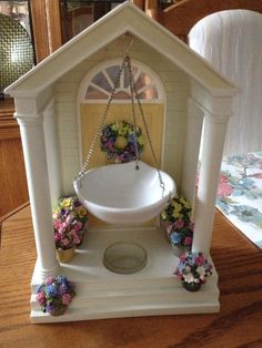 RETIRED!! Yankee Candle Spring Porch Tart Warmer Never Used House. Free Shipping Tart Warmer, Yankee Candles, Porch, Candle Holders, Wax, Free Shipping, Spring, Pretty, House