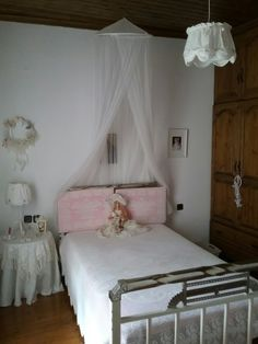 Zoi's room