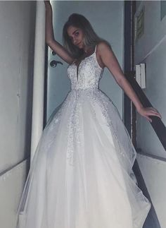 Stunning Prom Dresses, Formal Evening Dresses, Women's Fashion Dresses, Dress Making, Tulle, V Neck, Womens Fashion, Robes De Soiree, Formal Evening Gowns