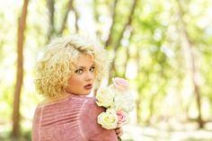 Senior pose, senior girl, flowers, spring, Suzanne Deaton Photography