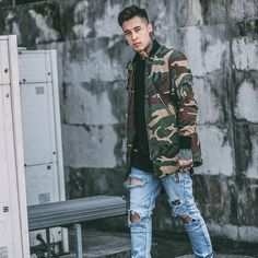 Look badass wearing this Street Camo Coat. If you want to achieve a totally rad look, then you need this jacket in your closet. This camo coat is military style Rugged Style, Fashion Night, Urban Fashion, Fashion Edgy, Fashion Shoes, Fashion Clothes, Winter Fashion, Fashion Outfits, Womens Fashion
