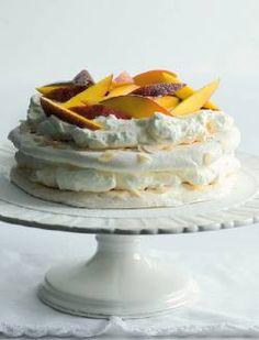 Mini Pavlova, Meringue Pavlova, Baked Goods, Sweet Treats, Bakery, Cheesecake, Food And Drink, Favorite Recipes, Sweets