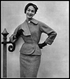 Teresita Montez in blue-beige wool suit with asymmetrical collar by Jean Patou, photo by Georges Saad, 1952 Fashion Moda, 1950s Fashion, Vintage Fashion, Vintage Dresses, Vintage Outfits, Look Retro, Estilo Retro, Tailored Jacket, Vintage Couture
