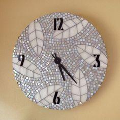 Pieces of Time Mosaic Clock Mosaic Artwork, Mirror Mosaic, Mosaic Diy, Mosaic Crafts, Mosaic Projects, Mosaic Wall, Mosaic Glass, Mosaic Tiles, Fused Glass
