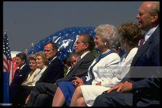 George & Barbara Bush with Gerald Ford, Nancy Reagan, Richard & Pat… Nancy Reagan, Ronald Reagan, Betty Ford, Barbara Bush, Yorba Linda, Historical Pictures, Former President, American History, Families