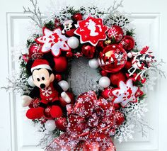 Disney Christmas Wreath Mickey Mouse by SparkleForYourCastle
