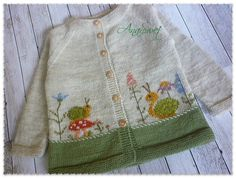 THIS PATTERN IS IN ENGLISH ONLY Winter baby cardigan with raglan construction.The cardigan is worked bottom to up in 5 pieces, Back, 2 Fronts and 2 Sleeves. Skill Level: Intermediate years Yarn weight: DK by Alize superlana klasik wool one - / Baby Knitting Patterns, Pattern Baby, Top Pattern, Baby Patterns, Crochet Pattern, Knit Crochet, Cardigan Bebe, Baby Cardigan Knitting Pattern, Knitted Baby Cardigan