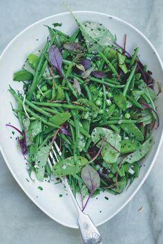 Salade van verse peulvruchten met mosterdzaad en dragon