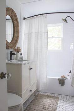 55 Farmhouse Bathroom Ideas For Small Space   Round Decor