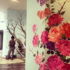 The artist... Doing his art work  #art #architecture #design #life #trees #flowers #interiortips #interiordesign #kuwait #q8