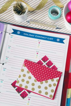 Holiday Planning Binder w/Free Printables!