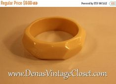 50% Off SALE Vintage 80s Chunky Ivory Colored Bracelet