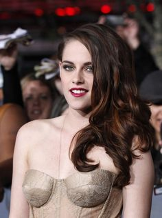 Kristen Stewart: love her haistyle at the premiere of the twilight saga