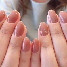 Semi-permanent varnish, false nails, patches: which manicure to choose? - My Nails Oval Nails, Nude Nails, Manicure And Pedicure, Acrylic Nails, American Nails, Kawaii Nails, Minimalist Nails, Nail Jewelry, Dream Nails