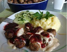 Švédske mäsové guľky köttbullar so smotanovou omáčkou a s brusnicami (fotorecept)