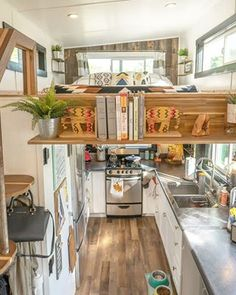A Tiny House Without Sacrifices in Design Tiny House Trailer Plans, Tiny House Plans, Small Trailer, Small Room Design, Tiny House Design, Home Design, Tiny House Living, Small Living, Self Build Houses