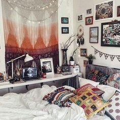 Boho room decor diy elegant bohemian bedroom beach boho chic home Indie Bedroom, Tumblr Bedroom, Tumblr Rooms, Bohemian Bedroom Decor, Boho Room, Home Decor Bedroom, Diy Room Decor, Bedroom Ideas, Teen Bedroom
