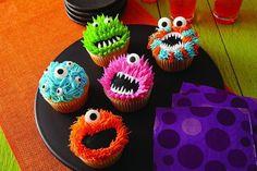 Halloween Backen, Halloween Torte, Dessert Halloween, Halloween Treats, Halloween Cupcakes Decoration, Diy Halloween, Halloween Cupcakes Easy, Halloween Fruit, Halloween Halloween